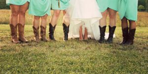 c4-Gross-BridesmaidsFeet.jpg